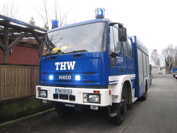 Ein Gerätekraftwagen (GKW) einsatzbereit im Ortsverband.