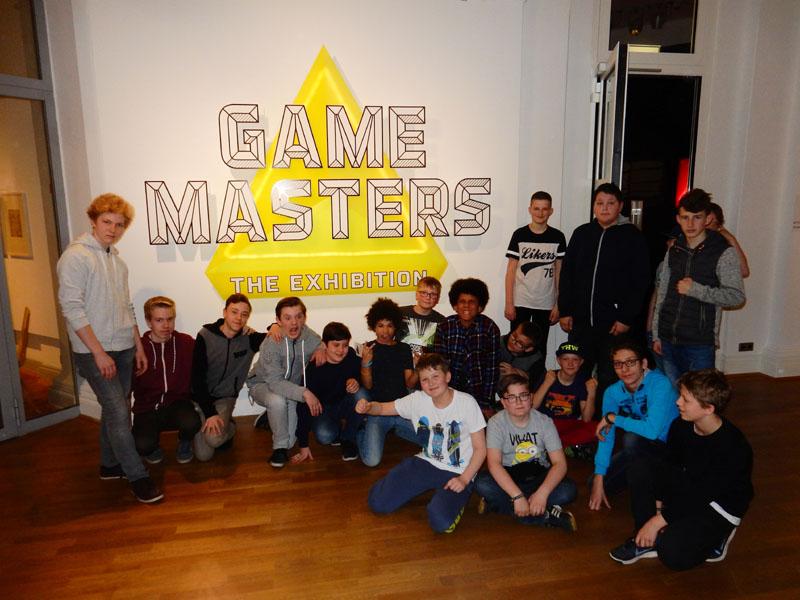 Bei den Game Masters konnten Computerspiele der vergangenen 40 Jahre gespielt werden. Fotografieren war leider verboten.