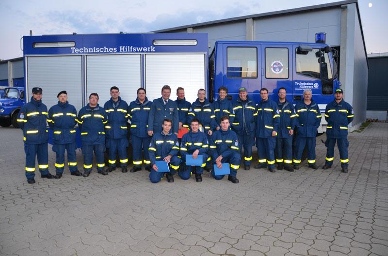 Die Ausbilder, Prüfer und sonstigen Helfer des Ortsverbandes Hamburg-Nord, die die Ausbildung und Prüfung im Ortsverband Hamburg-Altona unterstützten.