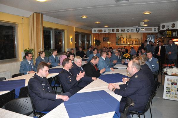 Zahlreiche Gäste vom THW, der Feuerwehr und anderen Organisationen waren erschienen.
