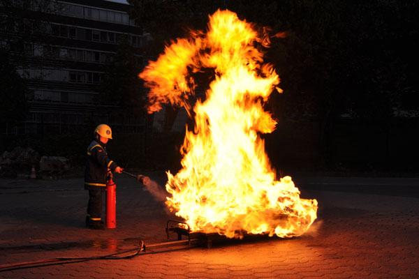 Auch ein CO2-Feuerlöscher kam zum Einsatz.