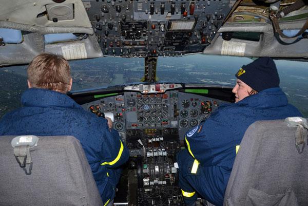Nach der Übung konnten unsere Jugendbetreuer mit dem Übungsflugzeug noch eine Runde über Hamburg drehen.