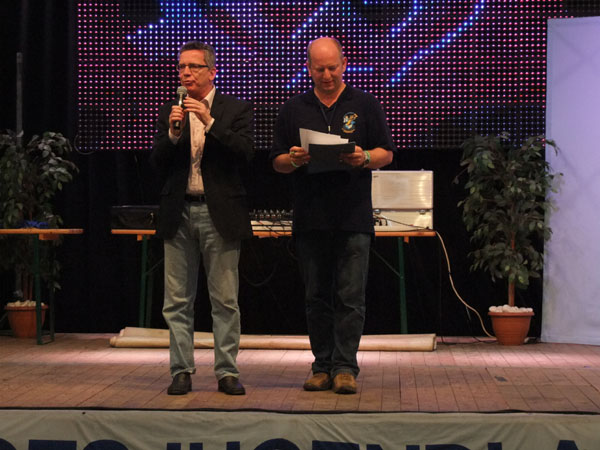 Bundesinnenminister Dr. Thomas de Maizière und Bundesjugendleiter Michael Becker beim Abschlussabend.