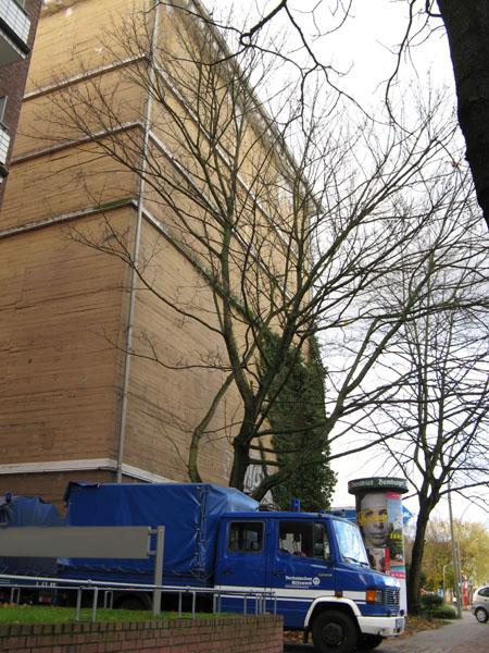 Der Hochbunker in der Habichtstraße. Für den Fall der Fälle wäre der massive Betonklotz noch gerüstet. Gewartet wird er allerdings nicht mehr.