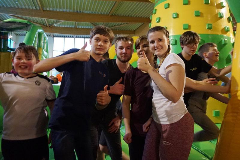Im Indoor-Spielplatz gab es vielen verschiedenen Attraktionen für alle Altersgruppen.