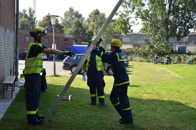 Unter anderem wurde auch der sichere Umgang mit Leitern geprüft.