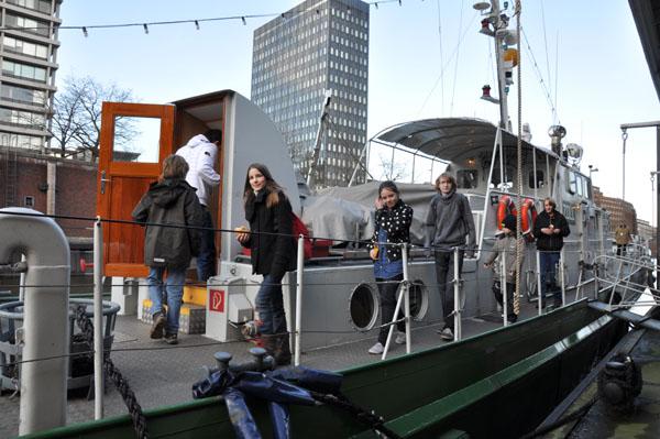 """Am Nachmittag wurde das Deutsche Zollmuseum mit dem Zollboot """"Oldenburg"""" besichtigt."""