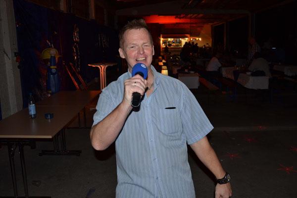 Helfersprecher Jan Petersen moderierte den Abend schwungvoll.