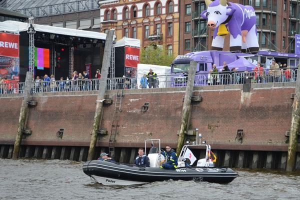 Die Boot der ARGE patrouillierten an wechselnden Einsatzabschnitten zwischen Övelgönne und HafenCity.