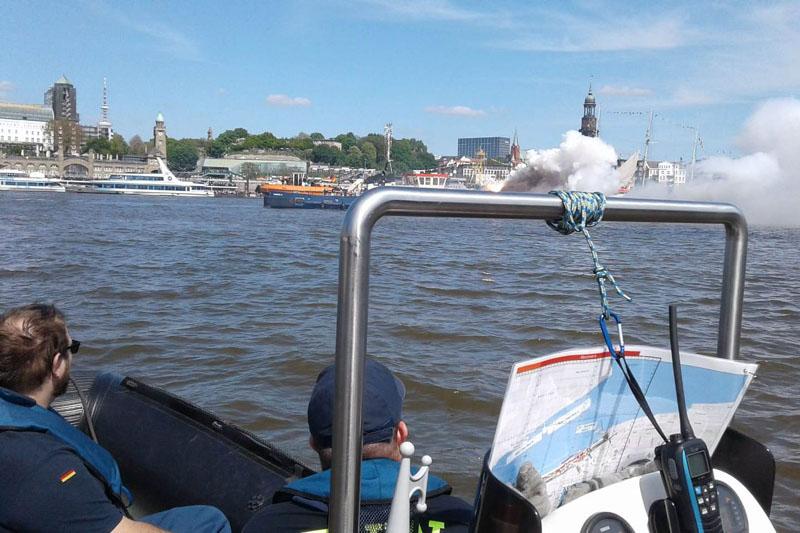 Die Boote der ARGE patrouillierten an wechselnden Einsatzabschnitten zwischen Övelgönne und HafenCity.