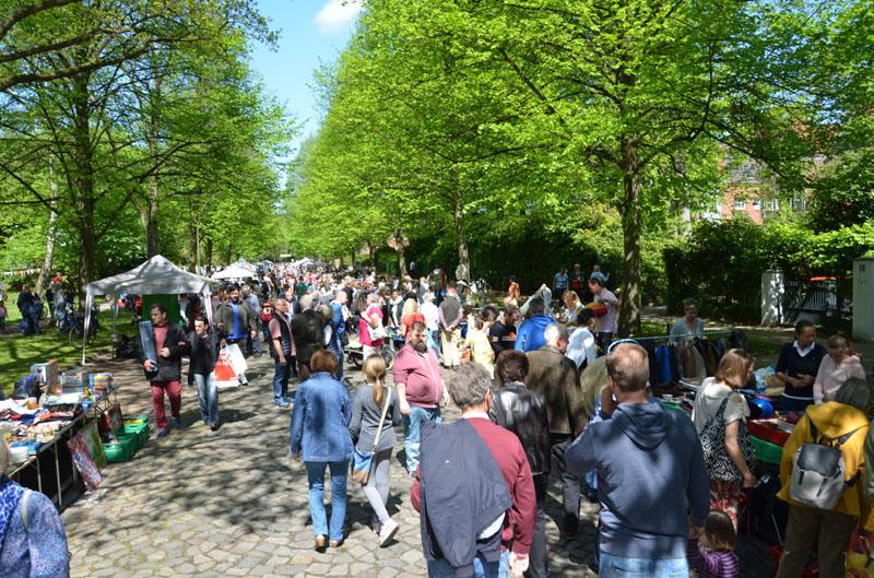 Einmal im Jahr verwandeln sich Schrödersweg und Frustbergstraße in ein großes Stadtteilfest.