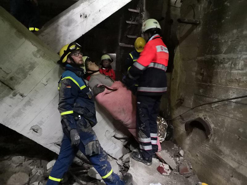 Verletzte wurden gefunden und versorgt.