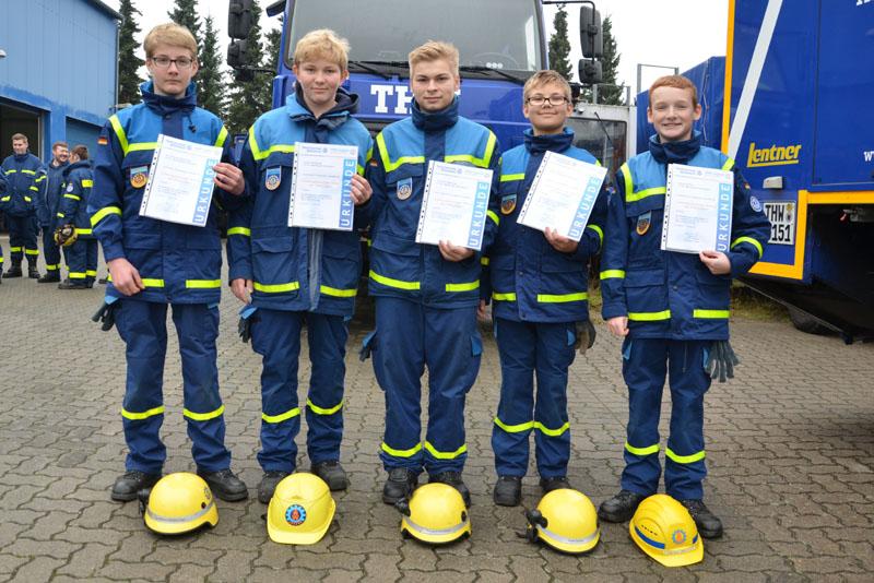 Jon Rasmus, Julius, Thomas, Sören und Fabian haben das  Leistungsabzeichen in der für sie jeweils möglichen höchsten Stufe erreicht.