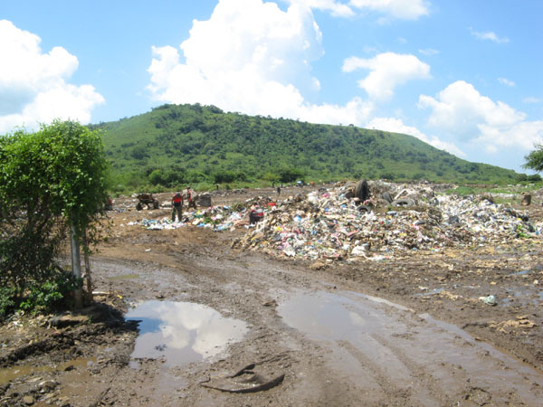 Müllberg von León, auf welchem ganze Familien leben.