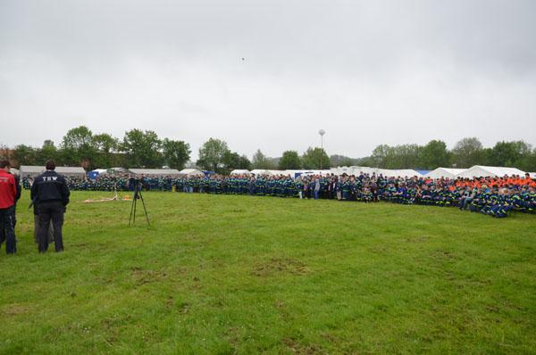 Unter der Schirmherrschaft von Hamburgs Innensenator Michael Neumann, wurde am Samstag um 10 Uhr das Jugendlager eröffnet.