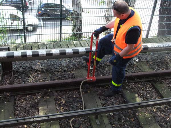 Einweisung für Arbeiten im Gleis.