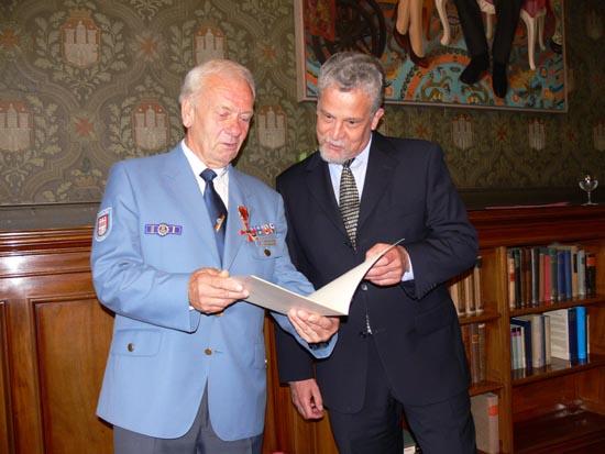Gratulation von Mathias Frommann, Bezirksamtsleiter Hamburg-Nord.