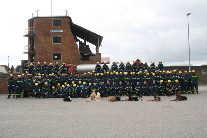 Rund 150 Einsatzkräfte übten auf dem Übungsplatz des dänischen Katastrophenschutzes in Tinglev die Ortung und Rettung von verschütteten Personen nach einem Meteoriteneinschlag.