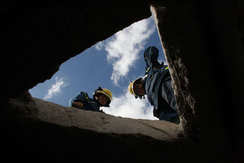 Gerettet! Bergungseinheiten können sich mit verschiedensten Geräten Zugang in Häuser schaffen, um Personen zu retten.