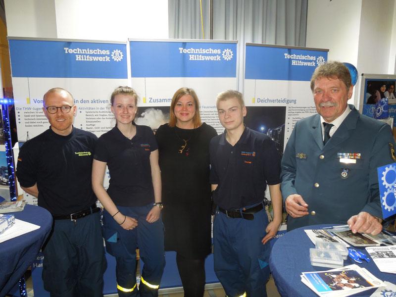 Der Stand des THW war gut besucht. Auch Katharina Fegebank, Zweite Bürgermeisterin der Freien und Hansestadt Hamburg und Senatorin in der Behörde für Wissenschaft, Forschung und Gleichstellung, schaute vorbei.
