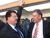 Hans-Joachim Fuchtel (MdB und Präsident der THW-Bundesvereinigung) und Innenstaatsrat Christoph Ahlhaus.