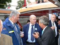 THW-Präsident Albrecht Broemme, Gerhard Weisschnur (Leiter Katastrophenschutz) und Innensenator Udo Nagel.
