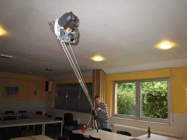 Für gute Kamerafahrten wurde ein Kamerakran gebaut.