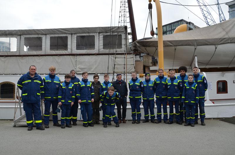 Nach einstündiger Besichtigung machten wir zum Schluss noch ein Gruppenfoto mit Herrn Zimmermann.