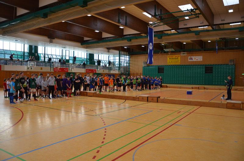 16 Mannschaften traten in der Norderstedter Moorbekhalle an.