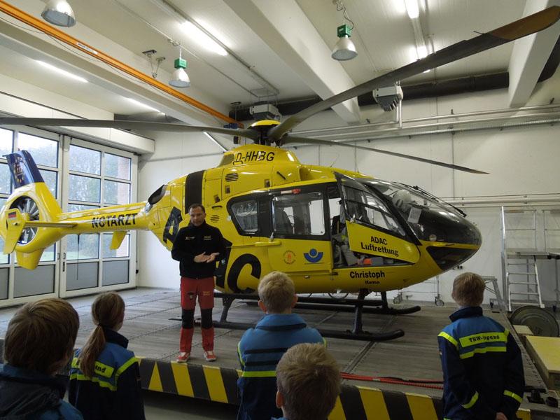 Pilot Michael Gomme nahm sich viel Zeit, alle Fragen zur Technik und Organisation zu beantworten.