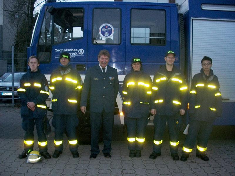 """Christopher, Michael, Ariane Alrike, Bo und Jia Hao, die """"Neuen"""" im Ortsverband Hamburg-Nord mit Ortsbeauftragtem Dietwald Jager."""