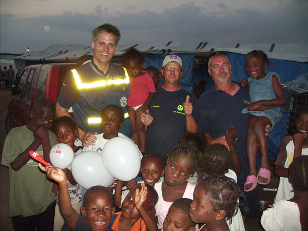 Spaß mit haitianischen Kindern.