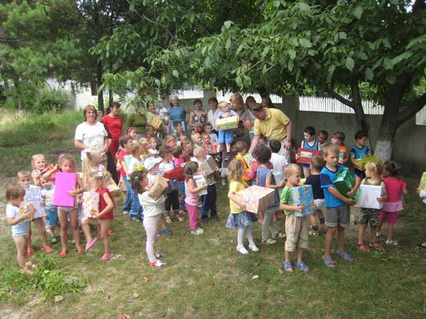 Kinder in Frasinesti.