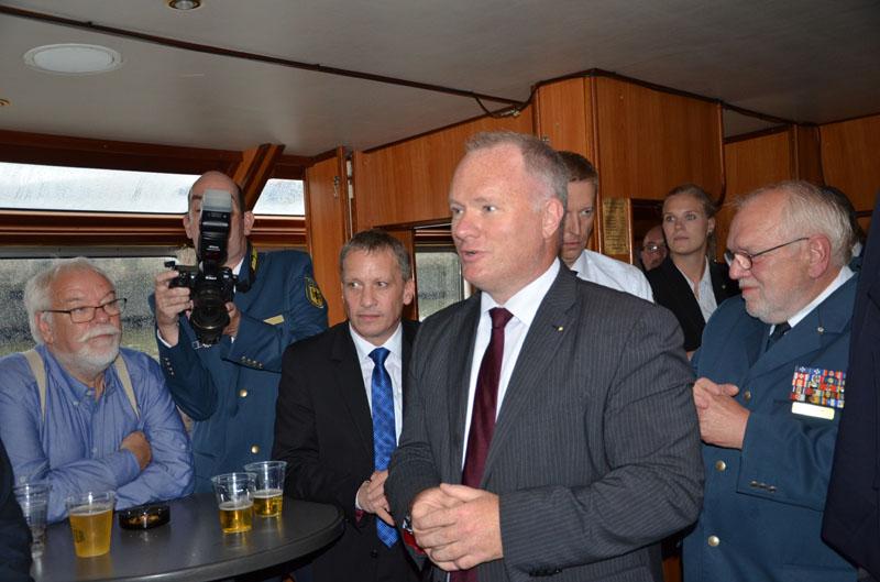 """Hamburgs Senator für Inneres und Sport, Michael Neumann, bedankte sich für die gute Zusammenarbeit. Auf """"sein"""" Hamburger THW sei eben Verlass."""