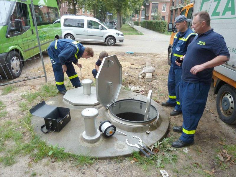 Überprüfung der Notbrunnen.