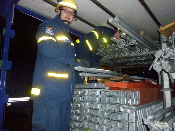 Das Einsatz-Gerüstsystem (EGS) ist auf einem Anhänger verlastet und lässt sich vielfältig einsetzen.