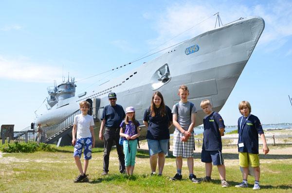Vor dem historisch-technischem Museum U-995.