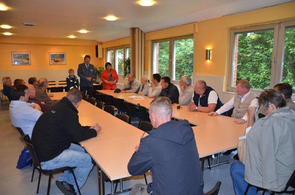 Der Ortsbeauftragte Dietwald Jager begrüßte die Gäste und stellte den Ortsverband mit seinen Einheiten vor.