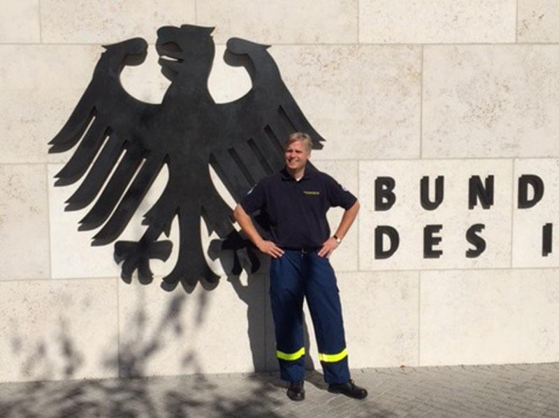 Aus dem Ortsverband Hamburg-Nord nahm Nicolas Fuchsius an der Veranstaltung teil. Er war nach dem Erdbeben in Nepal im Einsatz.