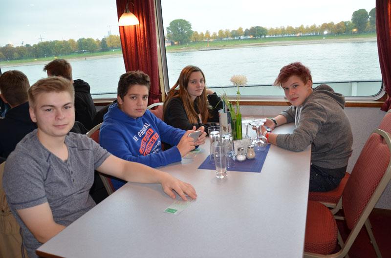 Panoramaschifffahrt auf dem Rhein.