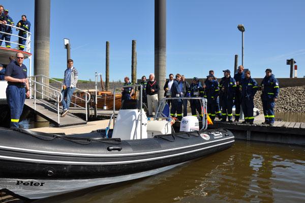 Freunde und Förderer waren zur Bootstaufe in den Hafen des Altonaer Segelclubs eingeladen.