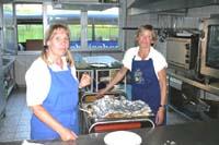 Angelika und Birgit standen an allen Spieltagen in der Küche.