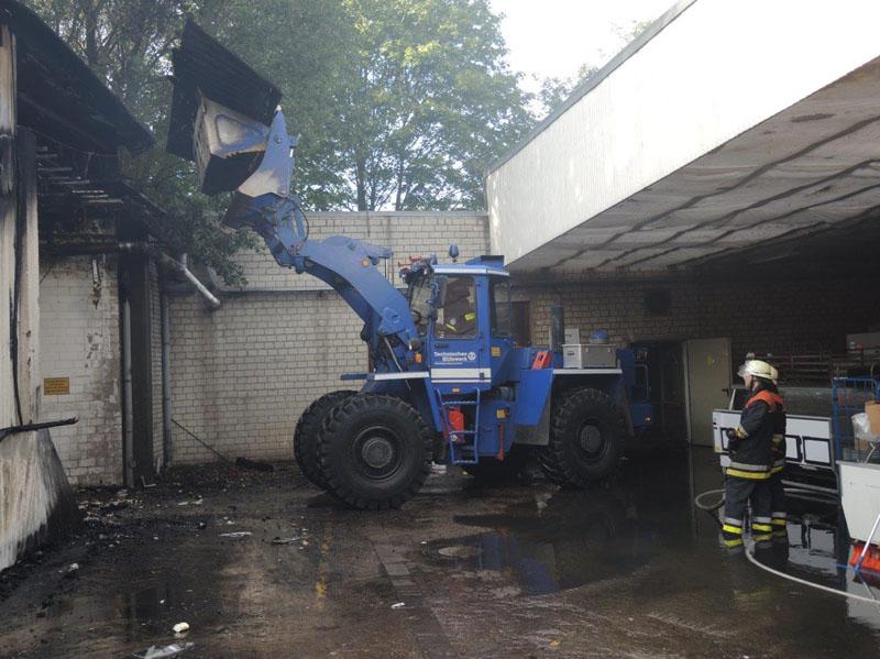 Mit dem Radlader wurden Gebäudeteile niedergelegt.