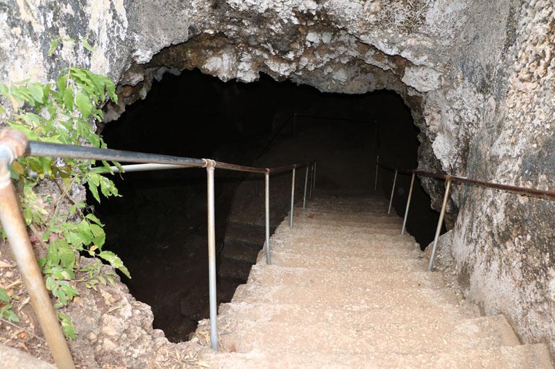 Die Sklavenhöhle.